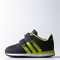 נעלי ספורט בצבעים כחול וירוק של המותג אדידס. מס' דגם: 689