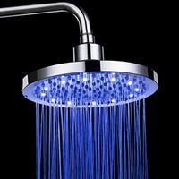 ראש מקלחת עגול עם תאורה מתחלפת  שיא הטכנולוגיה במקלחת שלכם ! ראש מקלחת  שיחליף צבעים בזמן שאתם מתרחצים. יהפוך את המקלחת שלכם לאטרקציה !  מדובר בראש מקלחת עגול גדול